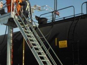 Rail Car Unloading